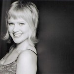 Lindsay McMahon (Angela di Ghilini)